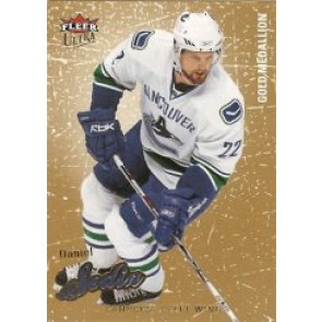 2008-09 Fleer Ultra Daniel Sedin Gold Medallion